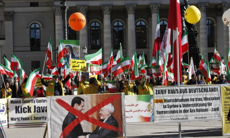 MEK Supporters Urge Munich Security Conference to Expel Zarif