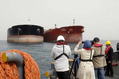 Iran Regime Violates US Sanctions With Oil Shipments