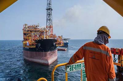 Iran Regime Fails to Shift Oil via Exchange