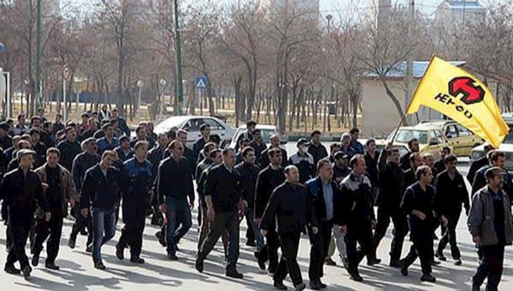 Iran: Workers of Arak's HEPCO, Haft Tappeh hold protests