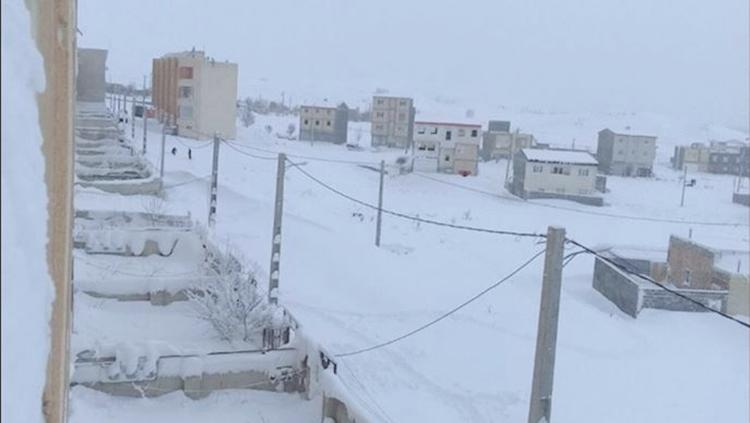 Iran: Heavy snowfall in Gilan province
