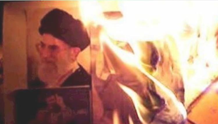 Youth Torch Khamenei's Effigies