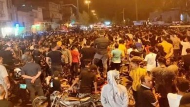 Iran: To Prevent the Transport of the Repressive Forces, Defiant Youths Block Roads